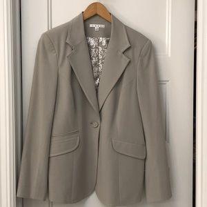 Cabi Dynamo gray jacket size 14